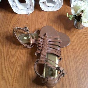 3/$30 Array Rachel brown gladiator sandal size 8N